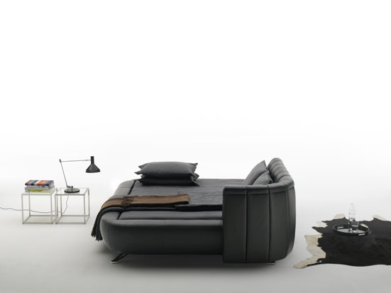 New Contemporary Bed Design by Hugo de Ruiter