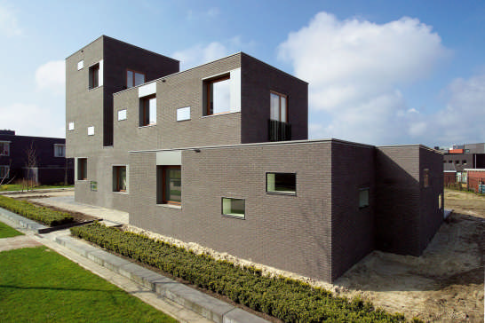 Contemporary Dutch House Design – House In Museumlaan by Cino ...