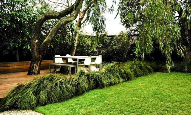 Contemporary Garden Design by Eckersley Garden