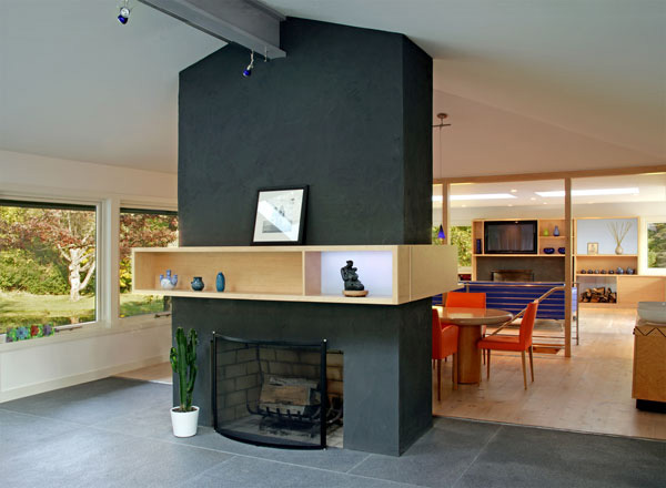 Contemporary Home Blended With Surrounding Woods