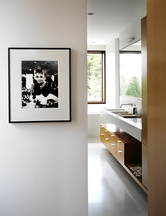 Contemporary Home With Modern Interior