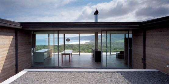 Contemporary House Built With Minimum Landscape Impact – Johanna House