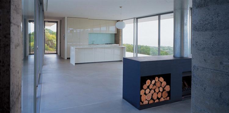 Contemporary House With Minimum Landscape Impact