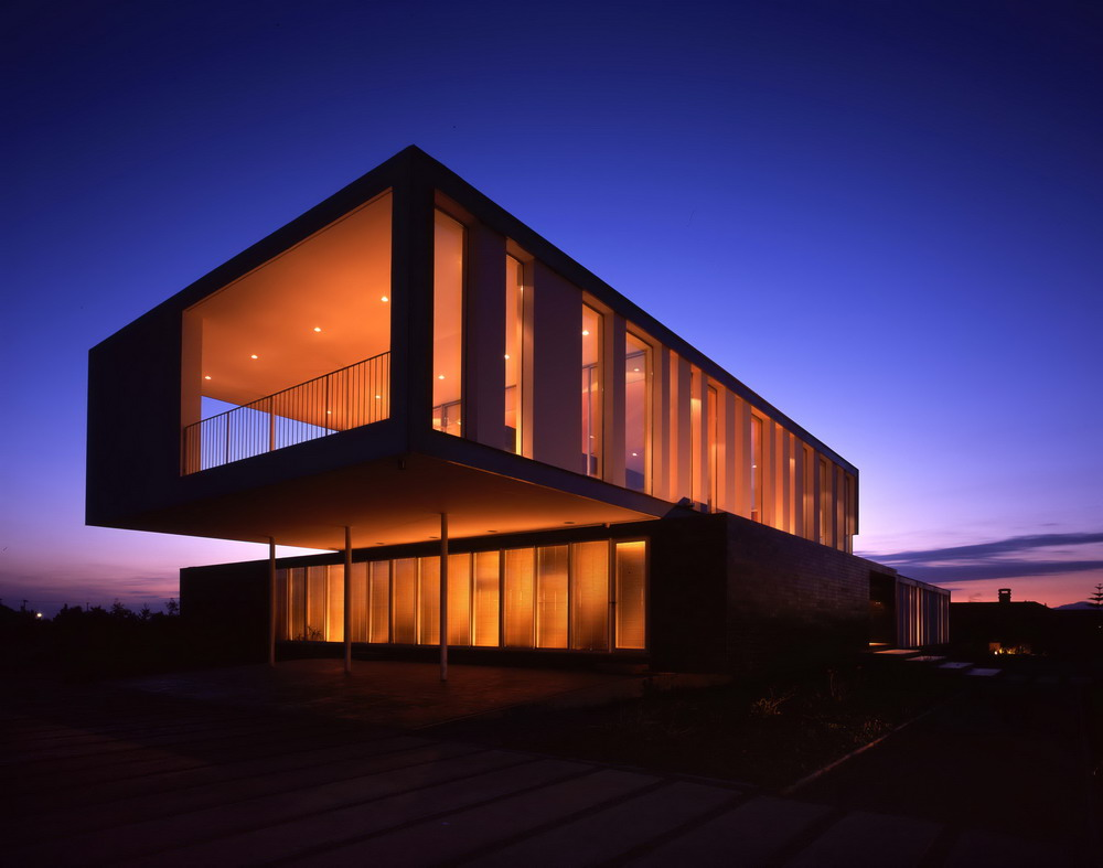 Contemporary modern house in chilean countryside gatica house digsdigs - Modern house designs ...