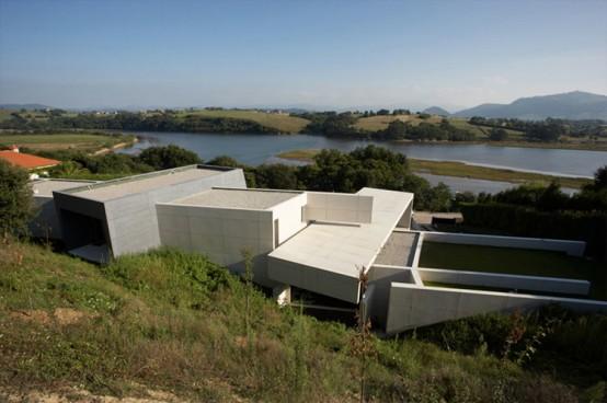 Contempory Style Concrete House