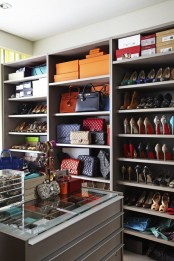 cool-and-smart-ideas-to-organize-your-closet-28