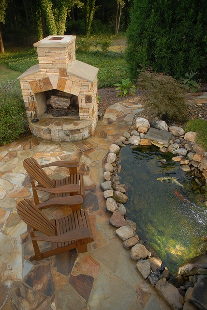 A little pond near the BBQ area is a great idea to make your cooking time more pleasant.