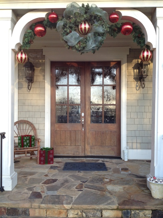 Front Porch Christmas Decorating Ideas 38 cool christmas porch décor ideas - digsdigs