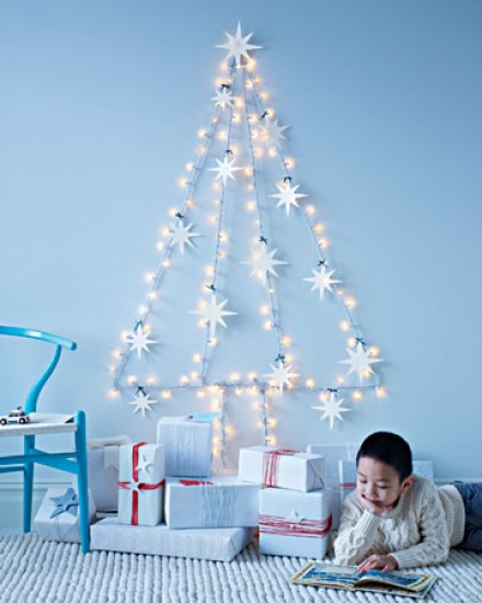 Cool String Light Christmas Tree Alternative (via welke)