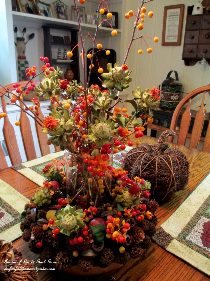 37 cool fall kitchen d cor ideas digsdigs for Small kitchen table centerpiece ideas