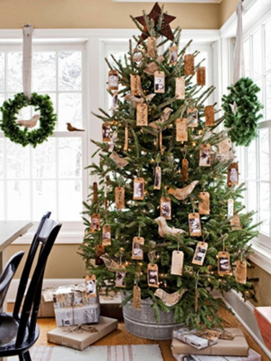 cool green christmas decor - Colonial Christmas Decor