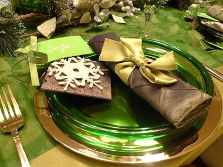 30 cool green christmas decorations digsdigs Christmas place setting ideas