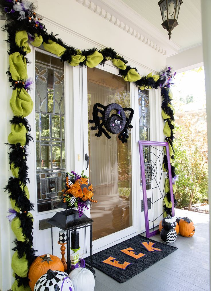40 cool halloween front door decor ideas digsdigs. Black Bedroom Furniture Sets. Home Design Ideas