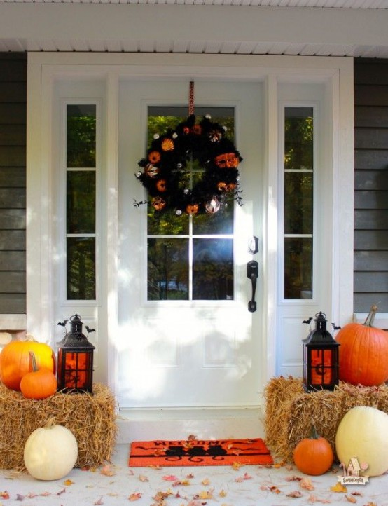 cool halloween front door decor ideas - Halloween Front Porch Decorating Ideas