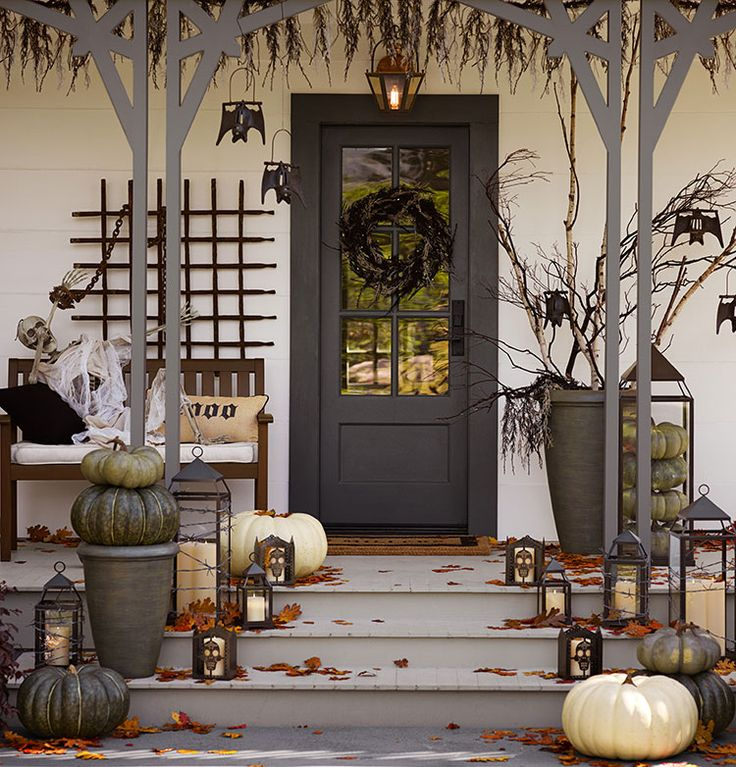 Decorating The Entrance To The House 40 Nice Ideas: 40 Cool Halloween Front Door Decor Ideas