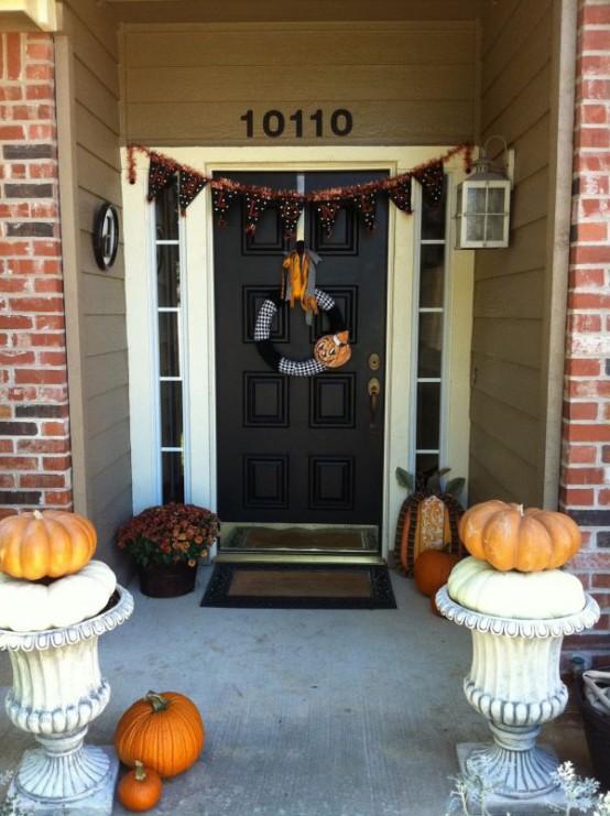 Cool Halloween Front Door Decor Ideas