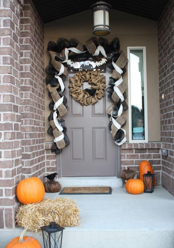40 Cool Halloween Front Door Decor Ideas  DigsDigs ~ 135011_Halloween Front Door Decorations