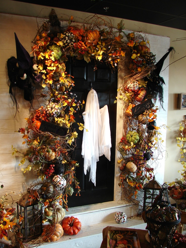 40 cool halloween front door decor ideas digsdigs for Decoration halloween
