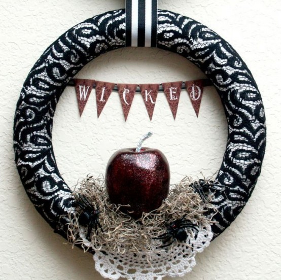 40 Cool Halloween Wreaths For Any Space