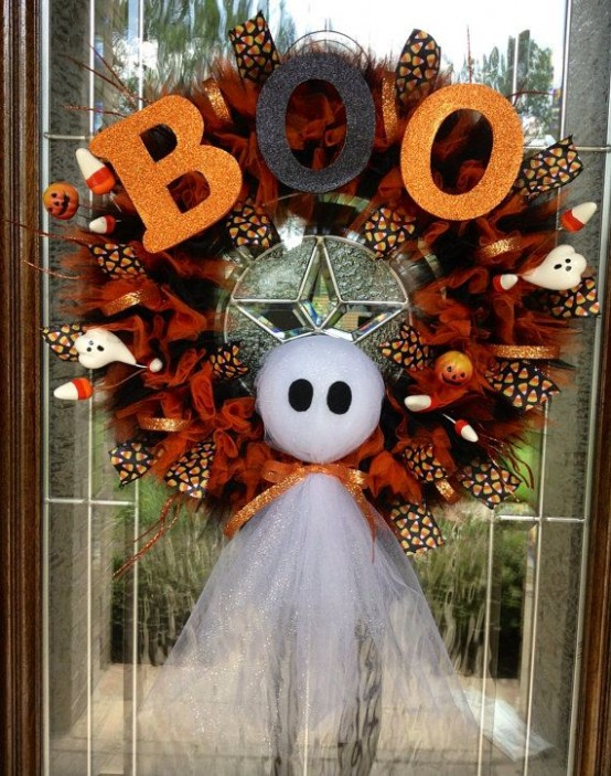 40 cool halloween wreaths for any space digsdigs - Fabriquer decoration halloween ...