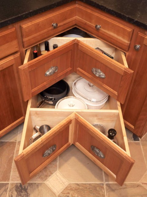 such corner drawers are a cool way to use that awkward space and get maximum of it
