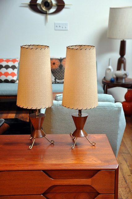 Cool Mid Century Lamps To Make An Accent