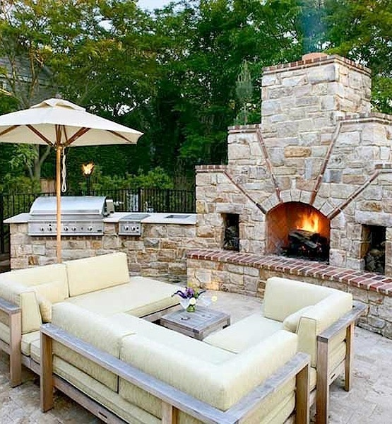56 cool outdoor kitchen designs digsdigs for Cool outdoor patio ideas