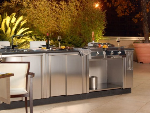 Cool outdoor kitchen designs digsdigs for Cool outdoor kitchen ideas