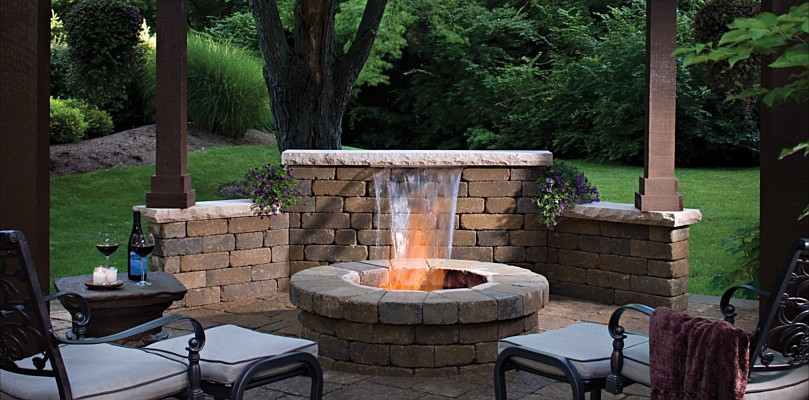 25 cool outdoor living ideas digsdigs Deck fireplace designs