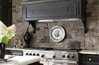 cool-stone-kitchen-backsplashes-that-wow-12