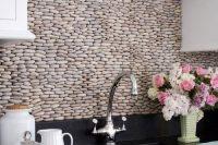 cool-stone-kitchen-backsplashes-that-wow-13