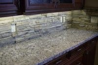 cool-stone-kitchen-backsplashes-that-wow-19