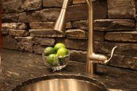 cool-stone-kitchen-backsplashes-that-wow-2