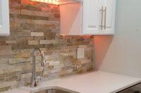 cool-stone-kitchen-backsplashes-that-wow-22