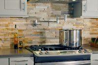 cool-stone-kitchen-backsplashes-that-wow-29