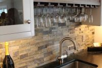 cool-stone-kitchen-backsplashes-that-wow-5