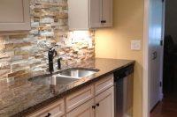 cool-stone-kitchen-backsplashes-that-wow-7