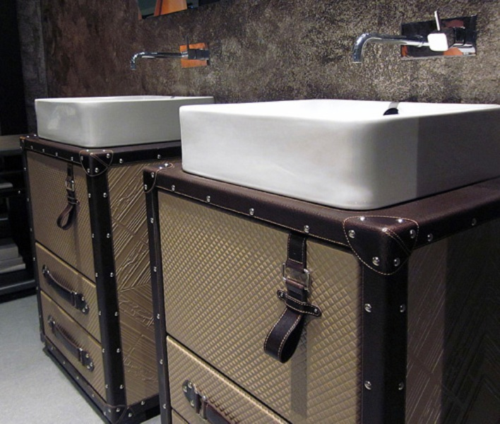 Cosmopolitan Style Bathroom With Suitcases