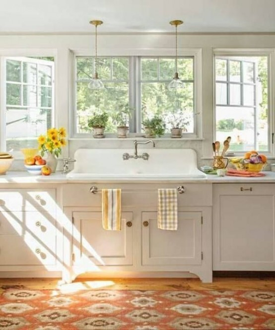 cosy ideas for decorating on top of kitchen cabinets. 35 Cozy And Chic Farmhouse Kitchen D cor Ideas  DigsDigs