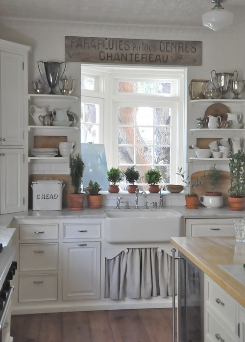 35 cozy and chic farmhouse kitchen d cor ideas digsdigs