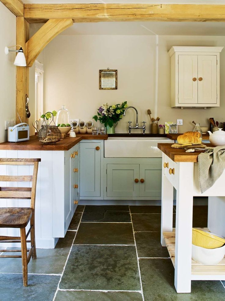 picture of cozy and chic farmhouse kitchen decor ideas