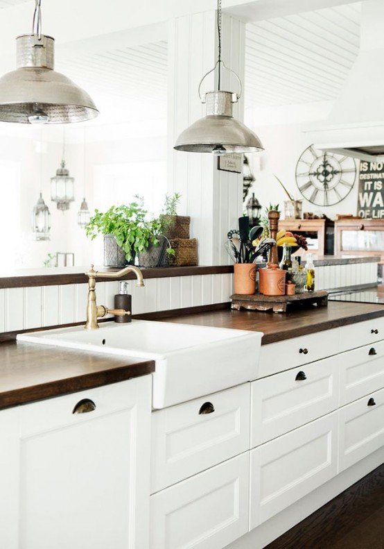 White Kitchen Decorating Ideas Photos Part - 50: Cozy And Chic Farmhouse Kitchen Decor Ideas