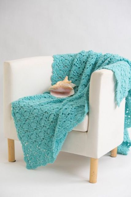 Cozy and comfy crochet pieces for home decor 20