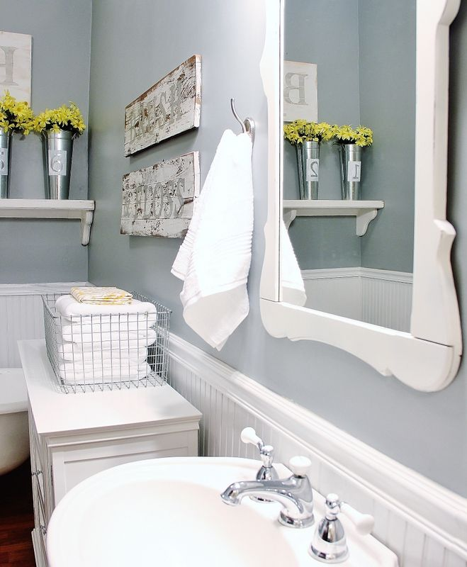 32 cozy and relaxing farmhouse bathroom designs digsdigs for Bathroom decor farmhouse