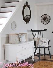 Cozy and simple farmhouse entryway decor ideas 26 digsdigs - Picture Of Cozy And Simple Farmhouse Entryway Decor Ideas 18