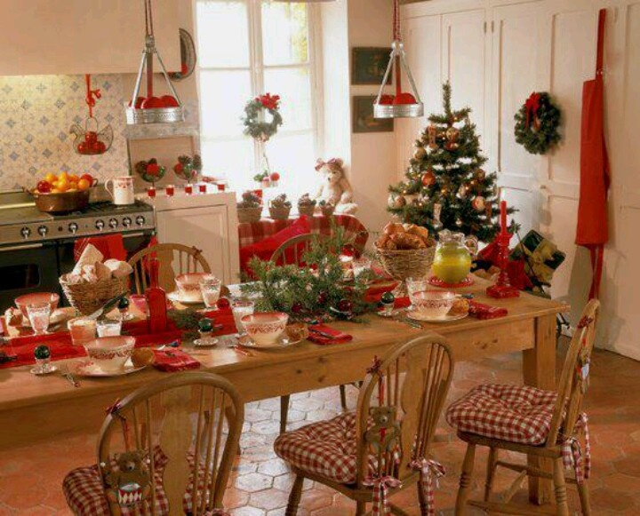 cottage kitchens for christmas - Christmas Decorating Ideas For Foyer