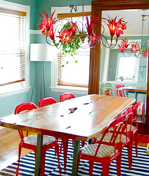 Cozy Dining Area With Colorful Accents
