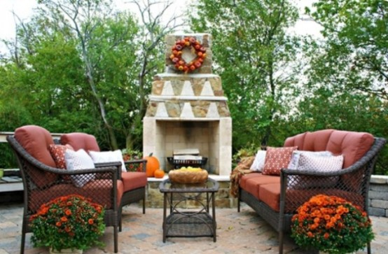 Apple wreaths are perfect for Fall decor.