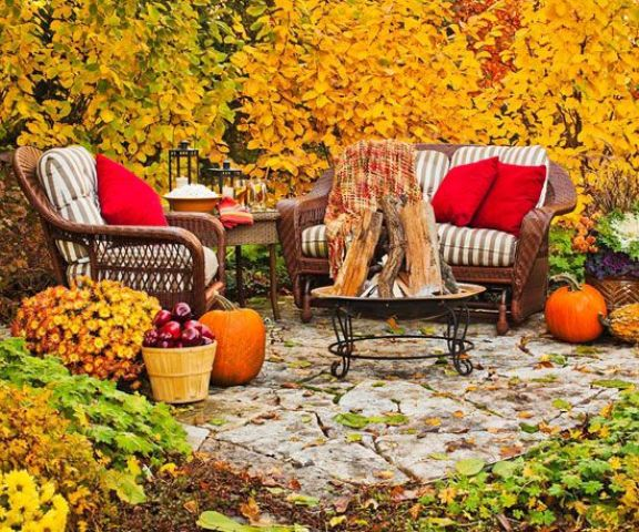 40 Cozy Fall Patio Decorating Ideas