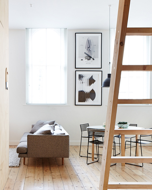 Cozy Melbourne Apartment With Airy Decor